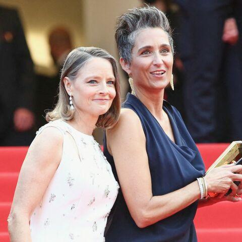 cheveux blancs gris et Cannes